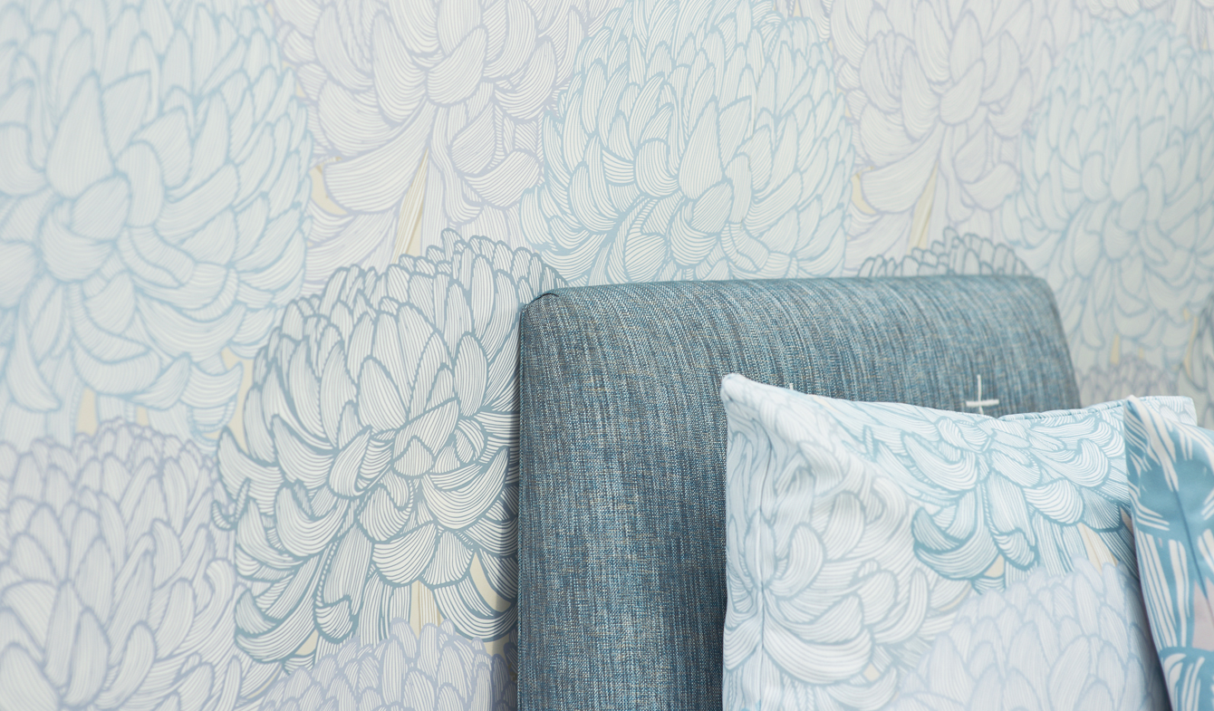 Kiku - Tranquil Lines Collection by Patricia Braune