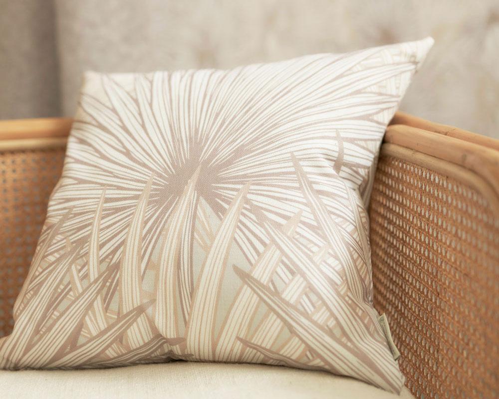 Nobilis Palm Grande by Patricia Braune